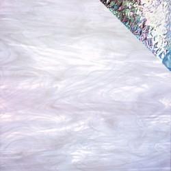 blanc/clair, translucide iridescent